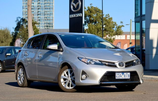 Used Toyota Corolla ZRE182R Ascent Sport S-CVT South Melbourne, 2013 Toyota Corolla ZRE182R Ascent Sport S-CVT Silver Pearl 7 Speed Constant Variable Hatchback