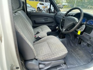 2004 Toyota Hilux LN147R MY02 4x2 White 5 Speed Manual Cab Chassis.