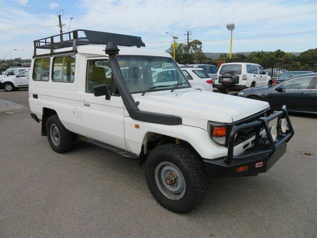 Used Toyota Landcruiser HZJ78R (4x4) 11 Seat Morphett Vale, 2000 Toyota Landcruiser HZJ78R (4x4) 11 Seat White 5 Speed Manual 4x4
