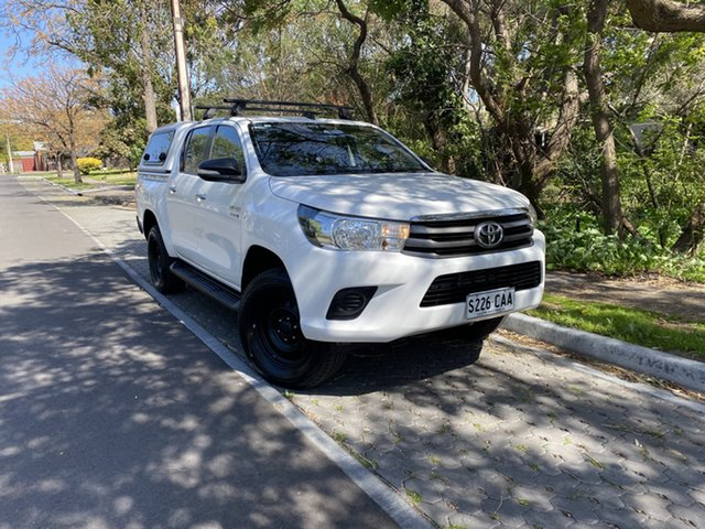Pre-Owned Toyota Hilux GUN126R SR Double Cab Hawthorn, 2015 Toyota Hilux GUN126R SR Double Cab White 6 Speed Sports Automatic Utility