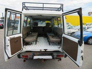 2000 Toyota Landcruiser HZJ78R (4x4) 11 Seat White 5 Speed Manual 4x4