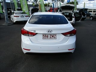 2015 Hyundai Elantra White 4 Speed Automatic Sedan