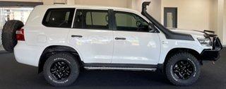 2016 Toyota Landcruiser VDJ200R GX White 6 Speed Sports Automatic Wagon.