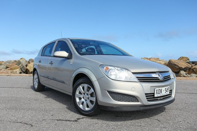 Used Holden Astra AH MY07 CD Lonsdale, 2007 Holden Astra AH MY07 CD Gold 5 Speed Manual Hatchback