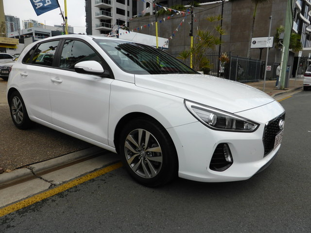 Used Hyundai i30 PD Active Southport, 2017 Hyundai i30 PD Active White 6 Speed Auto Sequential Hatchback
