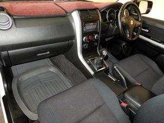 2013 Suzuki Grand Vitara JT MY13 (4x4) White 5 Speed Manual Wagon.