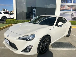 2014 Toyota 86 ZN6 GTS White 6 Speed Manual Coupe.