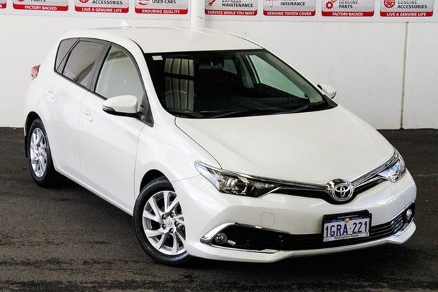 Pre-Owned Toyota Corolla ZRE182R MY17 Ascent Sport Rockingham, 2018 Toyota Corolla ZRE182R MY17 Ascent Sport Crystal Pearl 7 Speed CVT Auto Sequential Hatchback