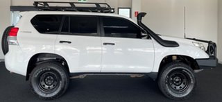 2010 Toyota Landcruiser Prado KDJ150R GX White 6 Speed Manual Wagon.