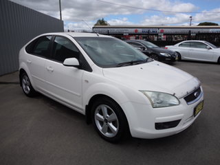 2006 Ford Focus LS LX White 4 Speed Automatic Hatchback