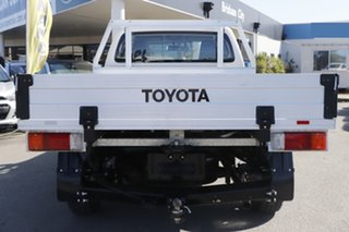 2017 Toyota Hilux TGN121R Workmate 4x2 Glacier White 5 Speed Manual Cab Chassis