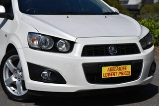 2012 Holden Barina TM MY13 CDX White 6 Speed Automatic Hatchback