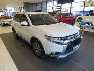 Mitsubishi Outlander Exceed 4WD Wagon.
