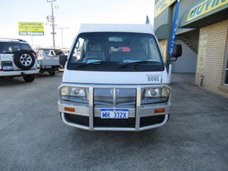 2002 Mazda E2000 White 5 Speed Manual Van.