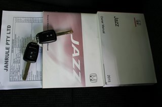 2015 Honda Jazz GF MY15 VTi Black 5 Speed Manual Hatchback.