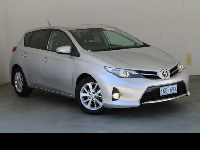 Used Toyota Corolla ZRE182R Ascent Sport Fyshwick, 2014 Toyota Corolla ZRE182R Ascent Sport Silver Pearl 7 Speed CVT Auto Sequential Hatchback