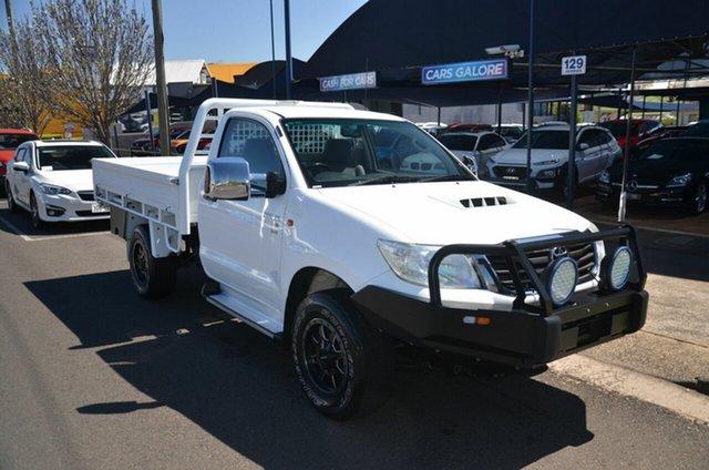Used Toyota Hilux KUN26R MY12 SR (4x4) Toowoomba, 2014 Toyota Hilux KUN26R MY12 SR (4x4) White 5 Speed Manual Cab Chassis