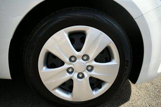 2017 Kia Cerato YD MY17 S White 6 Speed Auto Seq Sportshift Hatchback.