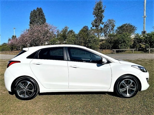 Used Hyundai i30 GD4 Series II MY17 Active X Mount Gravatt, 2016 Hyundai i30 GD4 Series II MY17 Active X Ceramic White 6 Speed Sports Automatic Hatchback