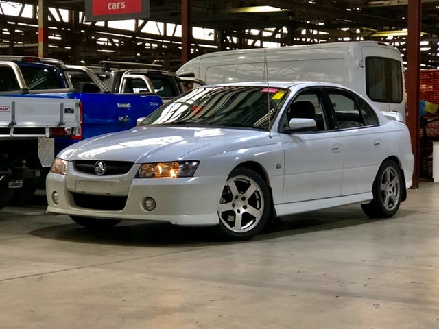 Used Holden Commodore VZ SV6 Mile End South, 2005 Holden Commodore VZ SV6 White 5 Speed Sports Automatic Sedan