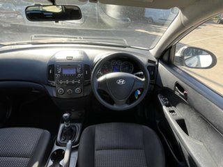 2009 Hyundai i30 FD MY09 SX cw Wagon White 5 Speed Manual Wagon.