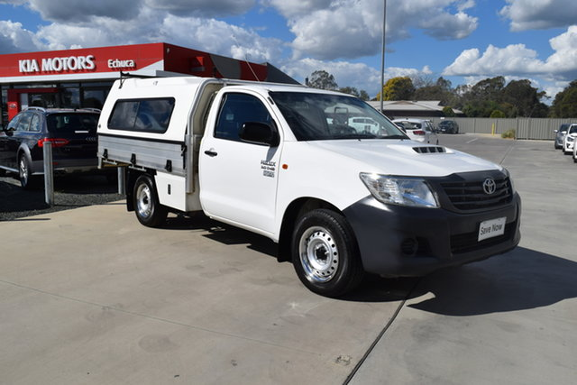 Used Toyota Hilux KUN16R MY14 Workmate 4x2 Echuca, 2015 Toyota Hilux KUN16R MY14 Workmate 4x2 White 5 Speed Manual Cab Chassis