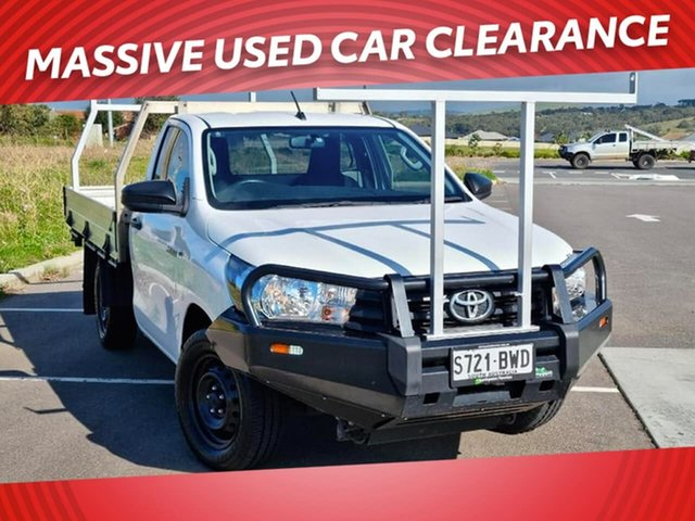 Used Toyota Hilux TGN121R Workmate 4x2 Victor Harbor, 2016 Toyota Hilux TGN121R Workmate 4x2 White 5 Speed Manual Cab Chassis