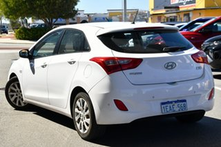 2012 Hyundai i30 GD Active White 6 Speed Sports Automatic Hatchback.
