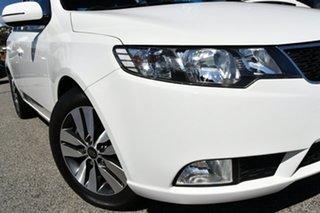 2013 Kia Cerato TD MY13 SIR White 6 Speed Sports Automatic Hatchback.