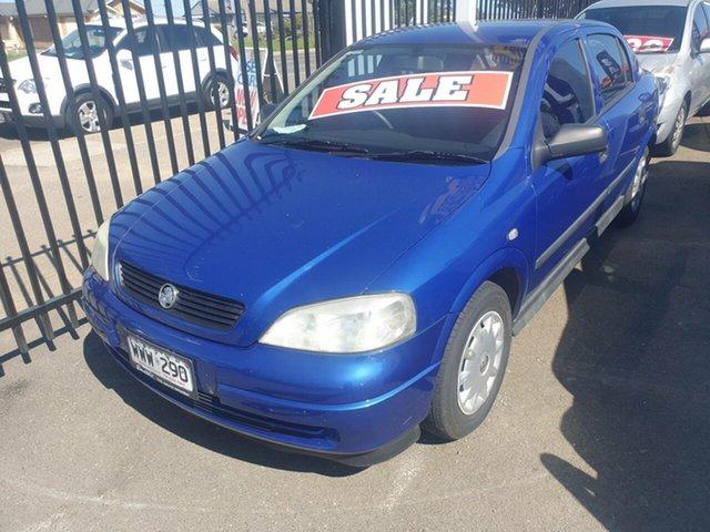 Used Holden Astra AH CD Morphett Vale, 2004 Holden Astra AH CD Blue 5 Speed Manual Hatchback