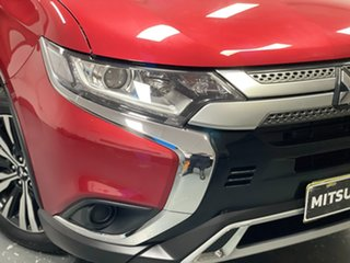 2018 Mitsubishi Outlander ZL MY19 ES 2WD Red 6 Speed Constant Variable Wagon.