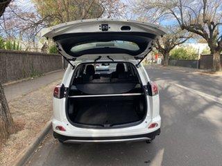 2017 Toyota RAV4 White Wagon