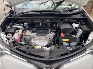 2017 Toyota RAV4 White Wagon.