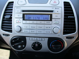 2010 Hyundai i20 PB Active Silver 4 Speed Automatic Hatchback