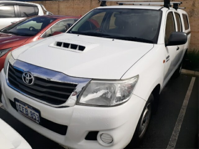 Pre-Owned Toyota Hilux KUN16R MY12 SR Myaree, 2012 Toyota Hilux KUN16R MY12 SR Glacier White 5 Speed Manual Dual Cab Pick-up