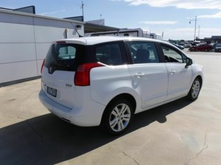 2014 Peugeot 5008 White Wagon.