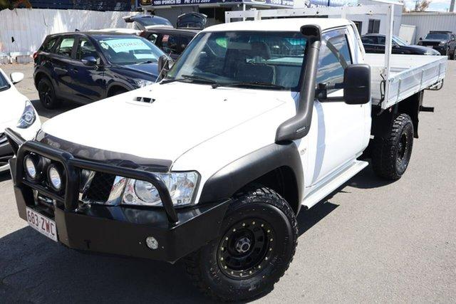 Used Nissan Patrol Y61 Series 4 MY14 DX Moorooka, 2014 Nissan Patrol Y61 Series 4 MY14 DX White 5 Speed Manual Cab Chassis
