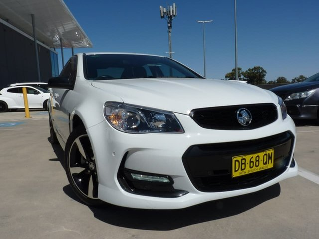 Pre-Owned Holden Commodore VF II MY16 SV6 Black Blacktown, 2016 Holden Commodore VF II MY16 SV6 Black White 6 Speed Sports Automatic Sedan