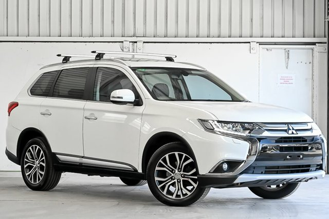 Used Mitsubishi Outlander ZK MY16 Exceed 4WD Laverton North, 2015 Mitsubishi Outlander ZK MY16 Exceed 4WD White 6 Speed Constant Variable Wagon