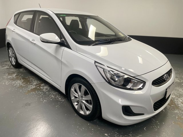 Used Hyundai Accent RB6 MY18 Sport Cardiff, 2017 Hyundai Accent RB6 MY18 Sport White 6 Speed Sports Automatic Hatchback