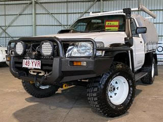 2011 Nissan Patrol GU 6 MY10 DX White 5 Speed Manual Cab Chassis.