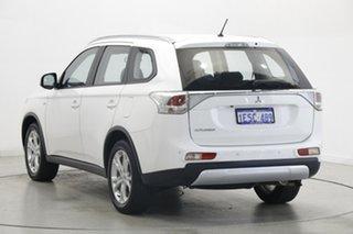 2015 Mitsubishi Outlander ZJ MY14.5 ES 2WD White 6 Speed Constant Variable Wagon.