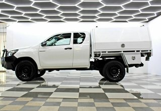2017 Toyota Hilux GUN125R Workmate (4x4) White 6 Speed Manual X Cab Cab Chassis