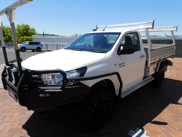 Used Toyota Hilux GUN126R SR Toowoomba, 2015 Toyota Hilux GUN126R SR White 6 Speed Manual Cab Chassis