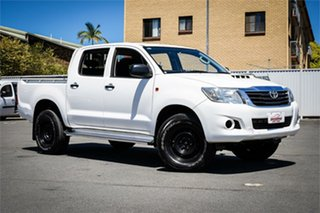 2015 Toyota Hilux KUN26R MY14 SR Double Cab White 5 Speed Automatic Cab Chassis.