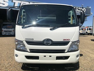 2018 Hino 300 616 White Tray 4.0l.