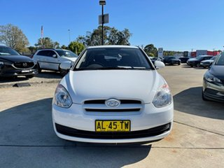 2006 Hyundai Accent LC MY04 GL White 4 Speed Automatic Hatchback.