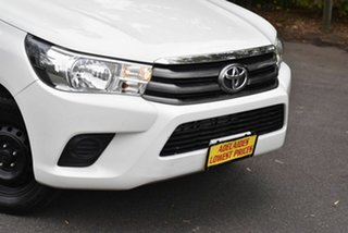 2015 Toyota Hilux GGN120R SR Double Cab 4x2 White 6 Speed Sports Automatic Utility