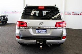 2016 Toyota Landcruiser VDJ200R MY16 Sahara (4x4) Silver Pearl 6 Speed Automatic Wagon