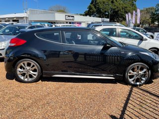 2015 Hyundai Veloster FS4 Series II SR Coupe D-CT Turbo Black 7 Speed Sports Automatic Dual Clutch.